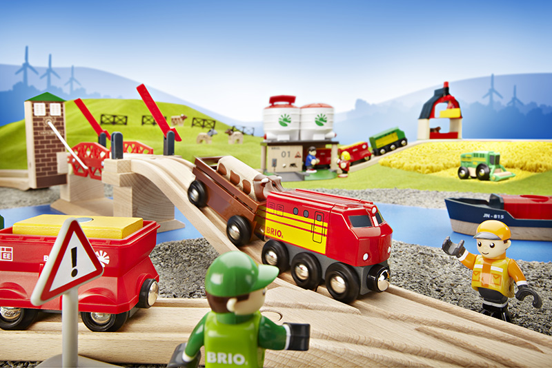 BRIO_World_Farm_Gravel_River.jpg