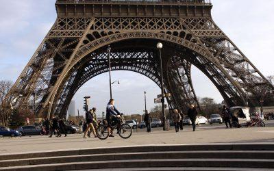 Paris nu