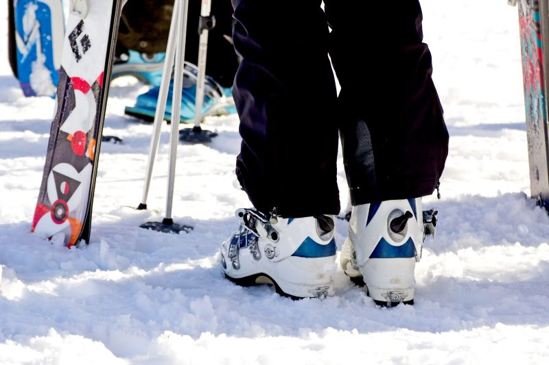 snow-sports-equipment-picture-1113tm-pic-1095.jpg
